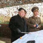 """Corea del Norte probó """"nueva arma de alta tecnología""""supervisada por Kim Jong"""