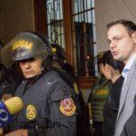 Juez que sacó a Concepción Carhuancho anula impedimento de salida de Mark Vito Villanella