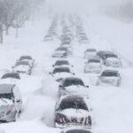 EEUU: Tormenta invernal con fuertes nevadas paraliza estados del centro desde este domingo (VIDEO)