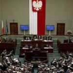 Polonia retrocede y cambia la reforma judicial reprobada por la Unión Europea (VIDEO)