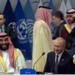 G 20: El saludo de Vladimir Putin con el príncipe Mohamed bin Salman recorre el mundo (VIDEO)