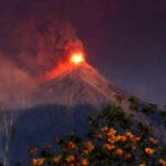 México: Alerta roja por erupción del volcán de Fuego de Guatemala, más de 4 mil evacuados