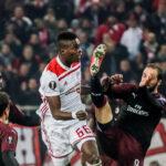 """Liga Europa: Milan único """"grande"""" sin clasificar al caer 3-1 con Olympiacos"""