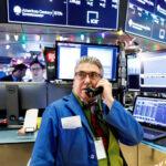 Wall Street cierra con ganancias reanimado por negociaciones entre EEUU y China
