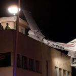 España: Avioneta se estrelló contra techo de edificio, mueren piloto y acompañante