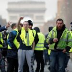 """Francia: Las 4 medidas de Macron para responder a los """"chalecos amarillos"""""""