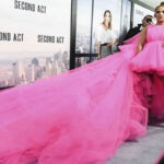 """Jennifer López con su vestido deslumbra en premiere de su filme """"Second Act"""""""
