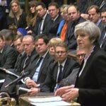 La oposición británica acusa al gobierno de May de desacato al Parlamento