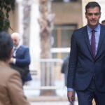 Gobierno español aprueba en Barcelona inversiones y gestos hacia Cataluña