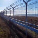 Rusia termina de tender la valla en la frontera de Crimea con Ucrania