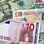 El dólar avanza ante el euro y el resto de divisas destacadas exceptuando al yen