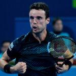Torneo de Doha: Roberto Bautista dio la sorpresa eliminando a Djokovic