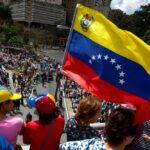 Venezuela deporta a dos periodistas chilenos, alerta sindicato de prensa