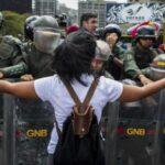 Periodistas de Efe liberados seguirán informando en Venezuela (VIDEO)