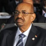 Al Bashir dice que no acabarán con su gobierno con Whatsapp ni Facebook