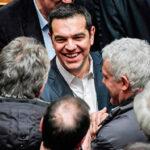 Grecia: Premier Tsipras logra voto de confianza del Parlamento y sigue en el poder