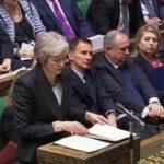 """Parlamento británico rechaza acuerdo del """"brexit"""" de May (VIDEO)"""