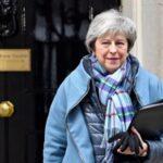 """May dice que volverá a Bruselas para pedir un pacto """"revisado"""" del """"brexit"""""""