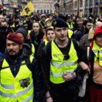 """Miles de """"chalecos amarillos"""" en una marcha en París con altercados"""