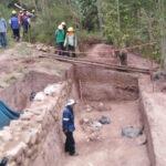 Cusco: Descubren entierro prehispánico en zona de obras para servicio de agua potable