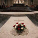 Gobierno español aprobará el viernes exhumación del dictador Franco
