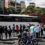 Venezuela: Guardia Nacional bloqueó caravana de diputados opositores que iban a Cúcuta (VIDEO)