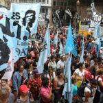 Furia en calles de Argentina por aumentos tarifarios y masivos cortes de luz
