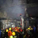 Bangladesh: Incendio en cuatro edificios deja al menos 45 muertos y 50 heridos