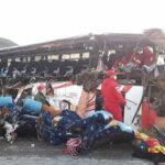 Bolivia: Choque frontal de bus y camión deja al menos 24 muertos y 15 heridos