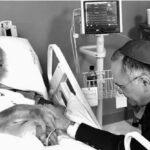 Franciscorehabilita a Cardenal al que Juan Pablo II prohibió administrar sacramentos en 1984 (VIDEO)
