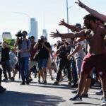 Argentina: Manifestantes y policías se enfrentan durante una marcha a favor de Nicolás Maduro