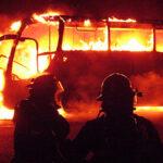 Fiori: Incendio de bus deja al menos 17 muertos y numerosos heridos (VIDEOS)