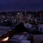 Venezuela paralizada por apagón que ya cumple casi 20 horas