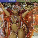 Con críticas políticas se despiden desfiles del Carnaval de Río (VIDEO)