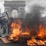 """Francia: Cifra récord de 192 detenidos por enfrentamientos entre policías y """"chalecos amarillos"""" (VIDEO)"""