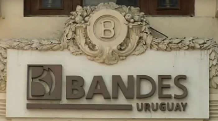 Tensión por sanción de EEUU a banco uruguayo operar con Venezuela