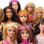 La muñeca Barbie de fiesta en fiesta por su 60 cumpleaños (video)
