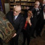 Tras dos años de investigaciones Italia devuelve a México cerca de 600 pinturas robadas (VIDEO)