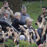 Con amplio operativo de seguridad Lula deja la cárcel para asistir al velorio de su nieto (VIDEO)