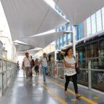 El Metropolitano: Colocan lonas para techar estaciones