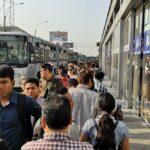 Metropolitano: Caos en estaciones Tomás Valle y UNI por falta de buses
