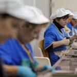 A más estudios, mayor brecha salarial: La paradoja de la mujer en América Latina