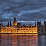 """Ninguna de las vías alternativas al """"brexit"""" logra mayoría en el Parlamento"""