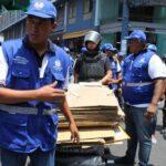 Retiran a comerciantes informales de Mercado Central y Mesa Redonda