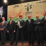 """Premio """"Paquiro"""": Roca Rey gana galardón que fue entregado por Vargas Llosa"""