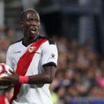 Óscar Trejo sustituye a Luis Advíncula en la convocatoria frente al Huesca