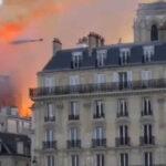 Francia: Se derrumba aguja central de la catedral Notre Dame devorada por el incendio (VIDEO)