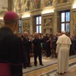 Papa Francisco pide a los peluqueros y estilistas evitar los chismes durante su trabajo (VIDEO)
