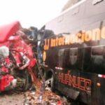 Ocho muertos deja accidente de bus que traía a delegación a sepelio de García