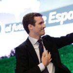 El hundimiento electoral del PP español pone en la cuerda floja a su líder